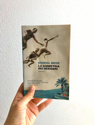 Copertina del libro di Eshkol nevo ``La simmetria dei desideri``